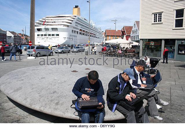 free wifi crew